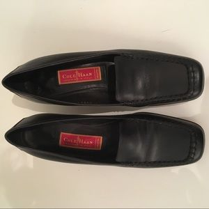 Cole Hann Sz 7AA Black Leather Square Toe Loafer